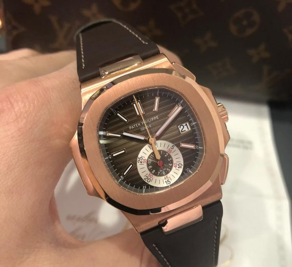 An 18ct rose gold Patek Nautilus chronograph 4