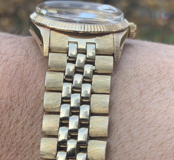 Vintage Rolex Gold oyster perpetual date model from 1981