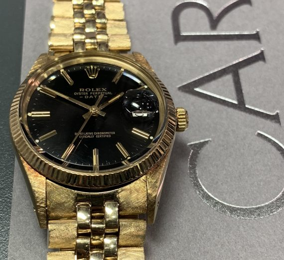 Vintage Rolex Gold oyster perpetual date model from 1981 5