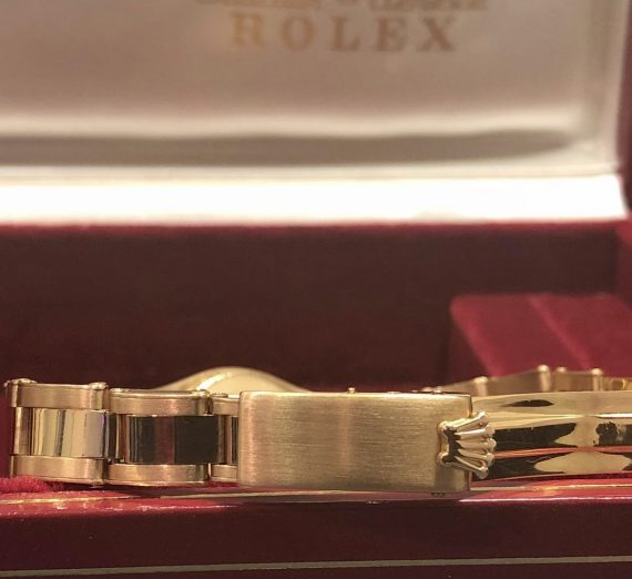 Ladies Vintage Rolex Yellow Gold 3