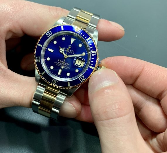 Rolex 18ct gold and steel Submariner from 1995 3