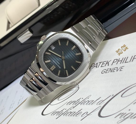 PATEK PHILIPPE NAUTILUS 5711/1A-010 IN STAINLESS STEEL BLUE DIAL 1