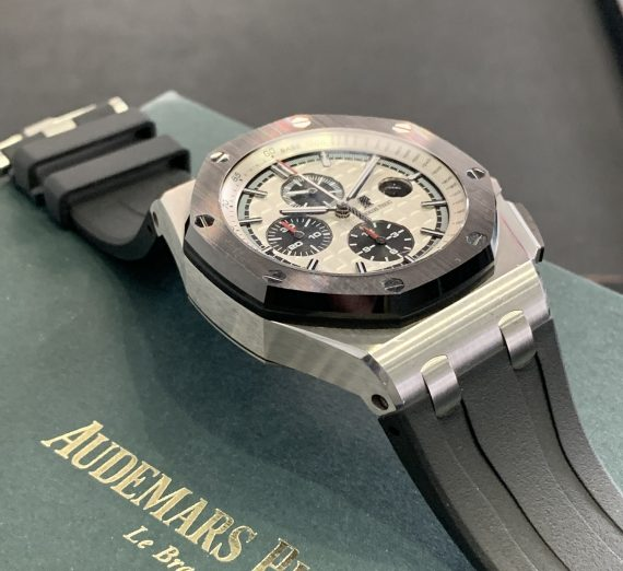 AUDERMARS PIGUET ROYAL OAK OFF SHORE CHRONOGRAPH CERAMIC BEZEL FROM 2016 2