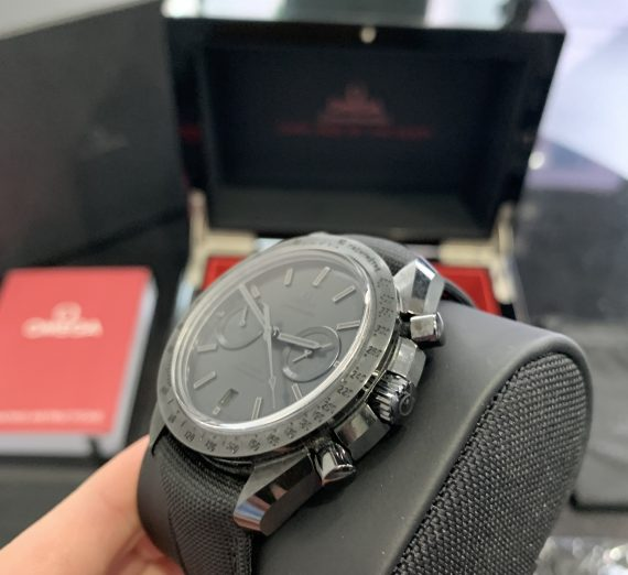 OMEGA SPEEDMASTER DARK SIDE OF THE MOON 31192445101005 4