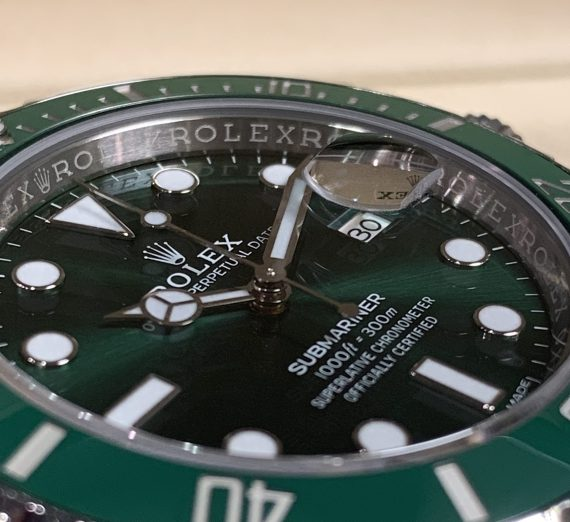 Rolex Hulk Submariner green dial and bezel 116610LV 4