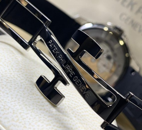 Patek Philippe Aquanaut Travel Time Stainless Steel 5164A 1