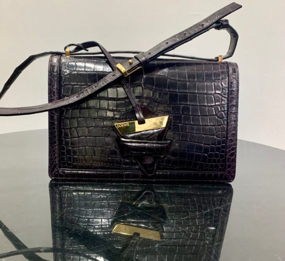 A LADIES TOM FORD HANDBAG 2