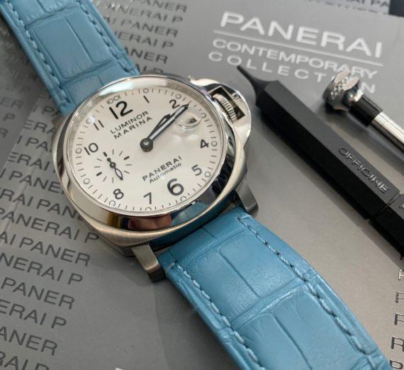 A PANERAI WHITE DIAL MODEL PAM 0049 10