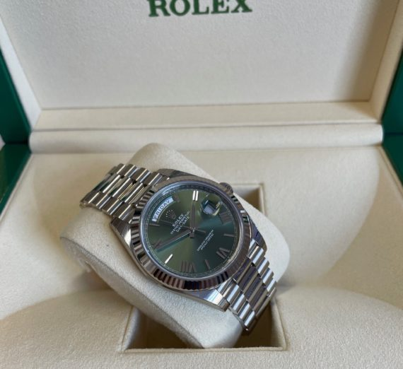 18CT WHITE GOLD DAY DATE MODEL 228239 1