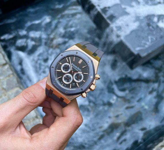 A LIMITED EDITION ROSE GOLD AUDEMARS MODEL 26325OL.OO.D005CR.01 9